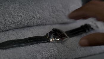 メンインブラックのハミルトン・ベンチュラ時計